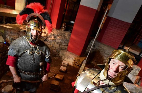 Image of some Romans at the Roman Bath Museum